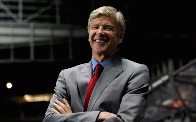 Wenger khuyen Man City ung xu nhu vo si sumo hinh anh