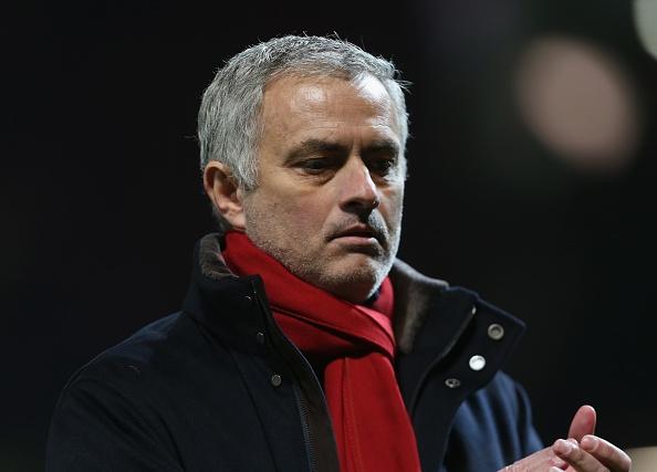 Mourinho: 'Mot quyet dinh toi cua trong tai khien MU bi trung phat' hinh anh