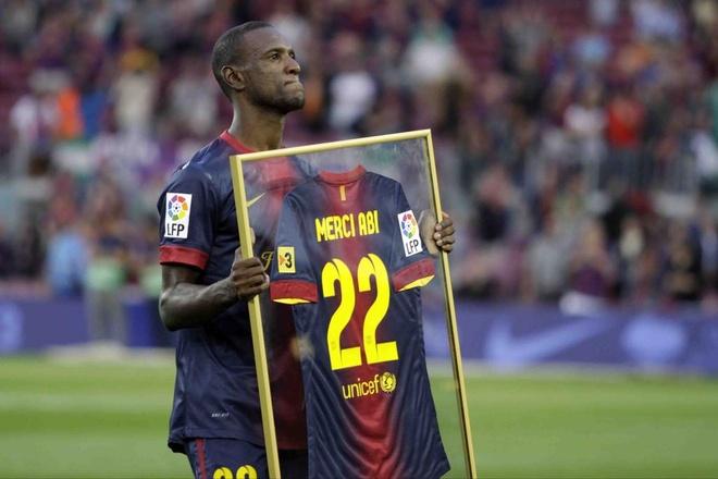Su that chuyen Messi yeu cau Abidal dung gui video khi bi benh hinh anh