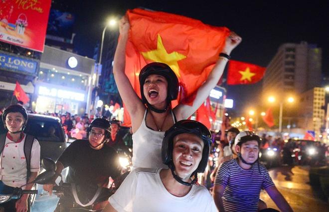 Bao Thai Lan nguong mo man an mung cua CDV Viet Nam hinh anh