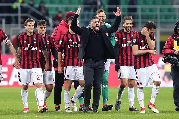 Thu quan Napoli dap gay cot co goc, HLV Gattuso giup trong tai sua co hinh anh 6