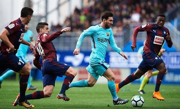 Khoi dau cham nhung Ronaldo da bat kip Messi hinh anh 4