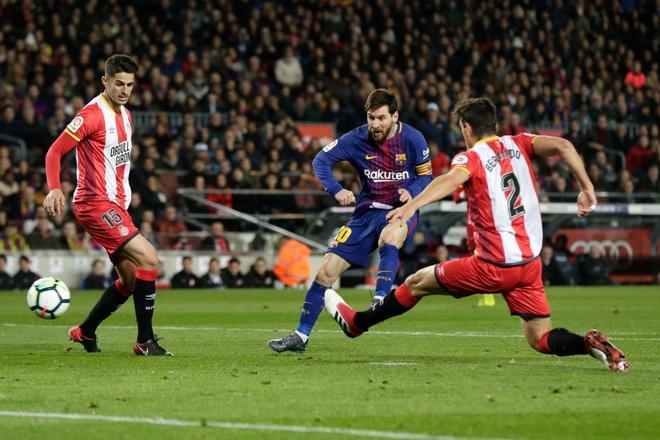 Coutinho ghi sieu pham, Messi lap cu dup giup Barca thang 6-1 hinh anh 3