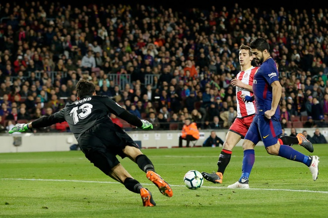 Coutinho ghi sieu pham, Messi lap cu dup giup Barca thang 6-1 hinh anh 6