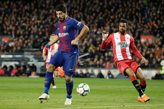 Coutinho ghi sieu pham, Messi lap cu dup giup Barca thang 6-1 hinh anh 9