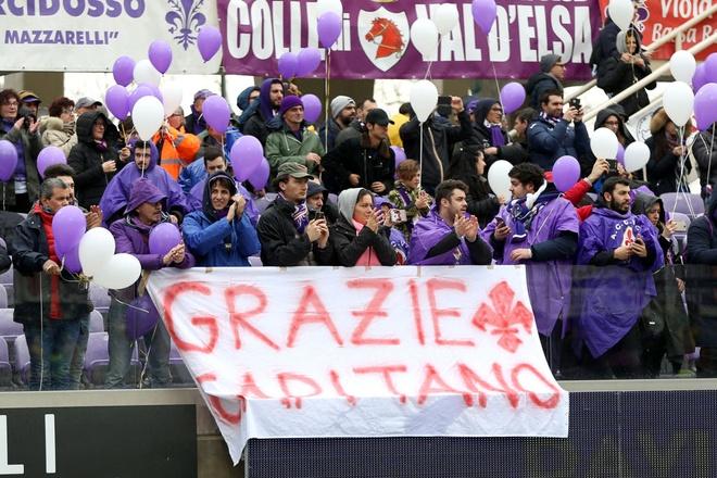 Ca doi Fiorentina guc khoc sau tran dau vang doi truong hinh anh 7