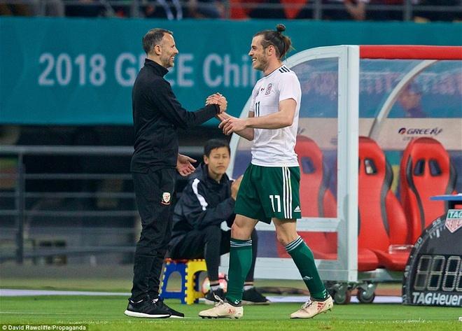 Bale ghi danh lich su bong da xu Wales o vi tri trang trong nhat hinh anh 5