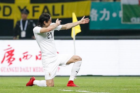 Bale bat luc nhin Suarez va dong doi vo dich tren dat Trung Quoc hinh anh 8
