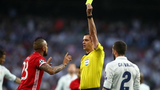 Sao Bayern buc xuc khi Ronaldo da thanh cong phat den hinh anh
