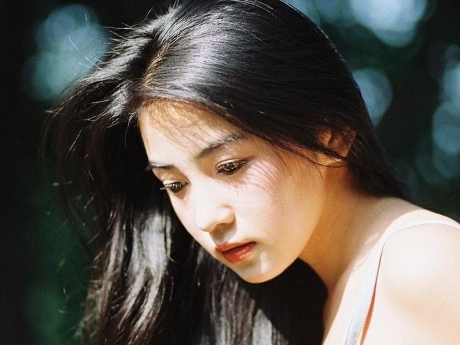 Hot girl 9X mang net dep co dien nhu my nhan TVB thap nien 90 hinh anh