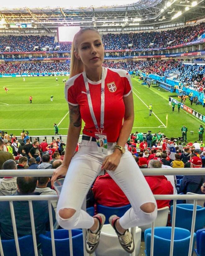 World Cup 2018 la cuoc dua cua loat CDV xinh dep va nong bong hinh anh 13