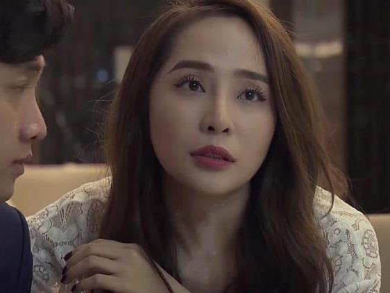 Chiec vay goi cam Nha mac trong phim 'Ve nha di con' hinh anh