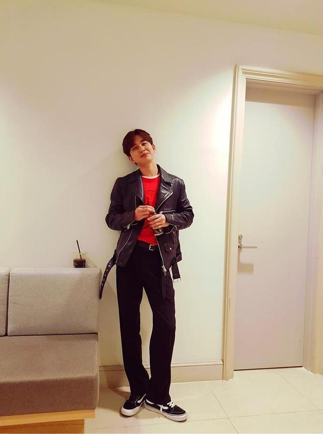 Yoo Seung Ho an mac don gian van du lang tu, khien fan nu me man hinh anh 7