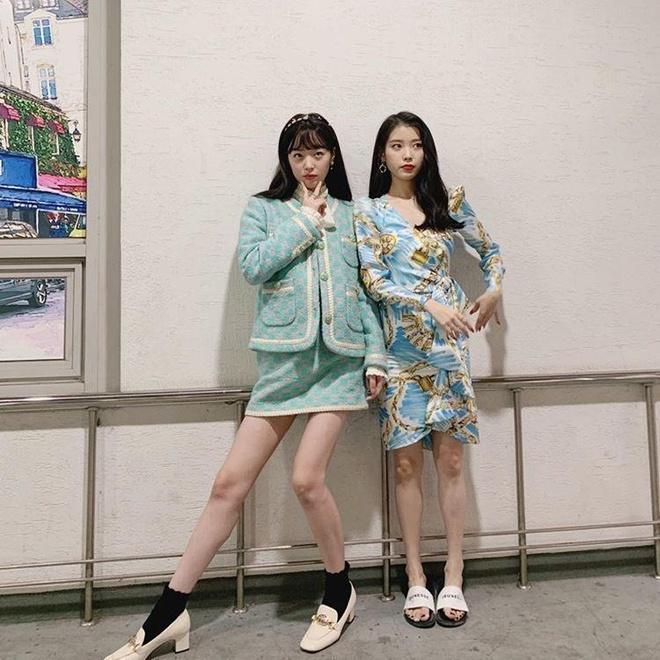 Ăn mặc đẹp, IU và Sulli vẫn bị fan chê khi đăng ảnh thân thiết