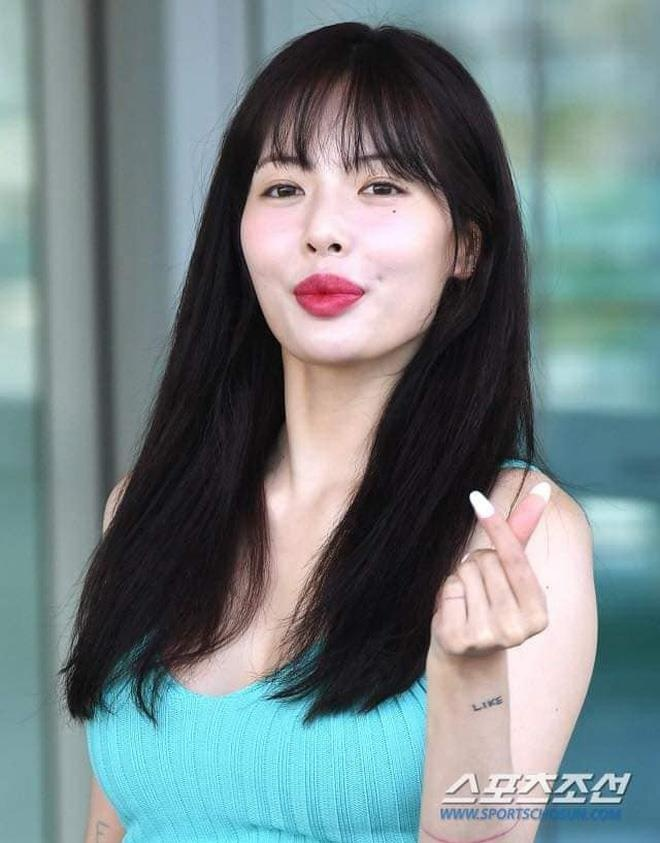 Khoe anh mat moc xinh dep, HyunA van khong xoa duoc tin don bom moi hinh anh 2