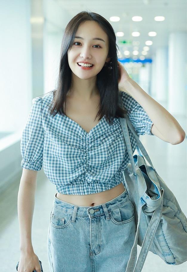 Khong con mac xau, Trinh Sang gio chuong style ngot ngao 'hack tuoi' hinh anh 4