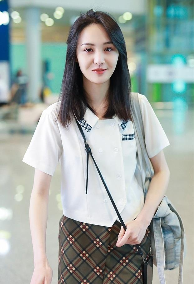 Khong con mac xau, Trinh Sang gio chuong style ngot ngao 'hack tuoi' hinh anh 6