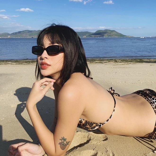 Tu Hao dien bikini da bao, Chi Pu mac ao yem khoe lung tran goi cam hinh anh 8