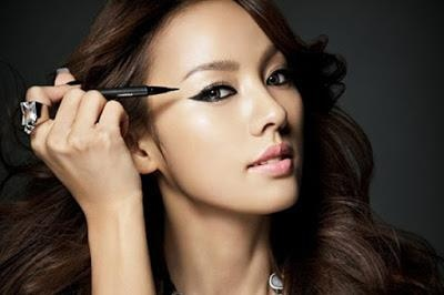 Song Hye Kyo bi che trang diem mat meo khong dep nhu sao Han khac hinh anh 3