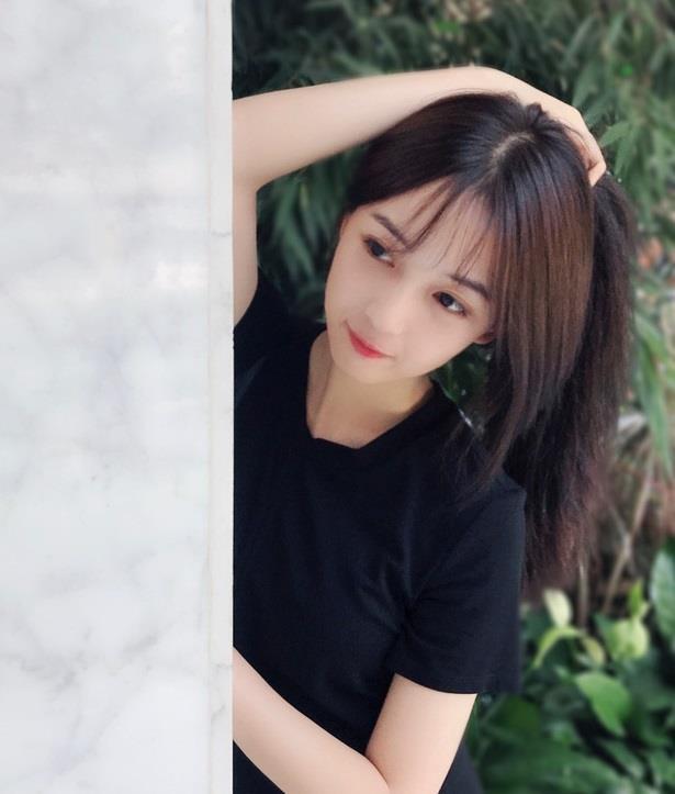 'Ban gai' Ngo Diec Pham: Nguoi dien do don gian, ke theo style sexy hinh anh 5