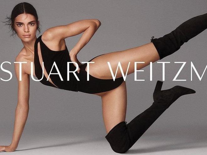 Kendall Jenner diện đồ xẻ sâu gợi cảm trong clip quảng cáo