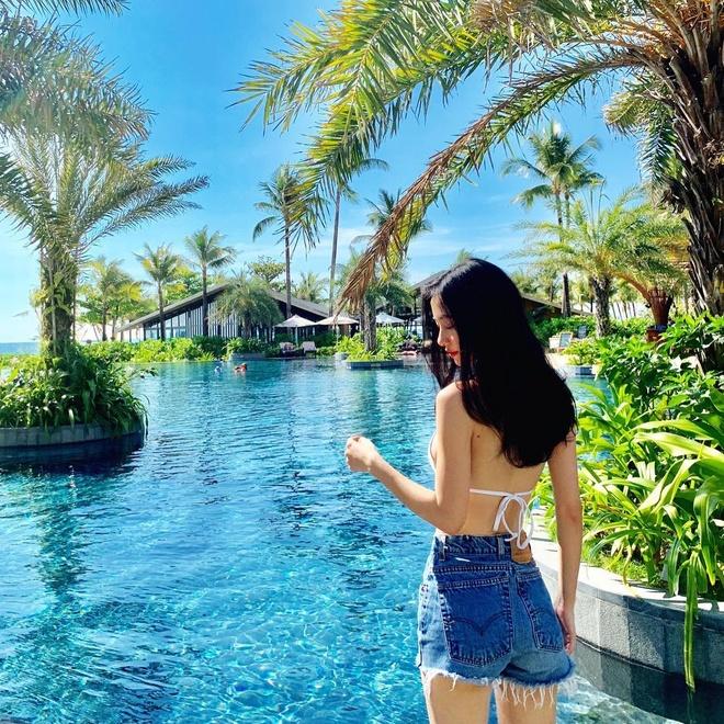 Jun Vu chuong khoe vong mot cang day trong bo bikini don gian hinh anh 13
