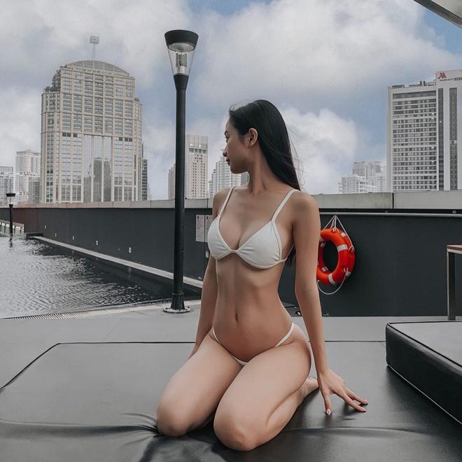 Jun Vu chuong khoe vong mot cang day trong bo bikini don gian hinh anh 1