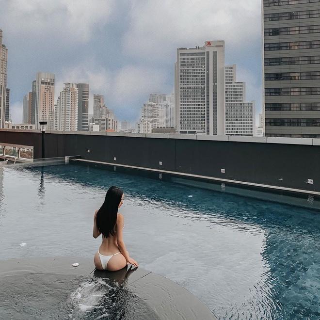 Jun Vu chuong khoe vong mot cang day trong bo bikini don gian hinh anh 2