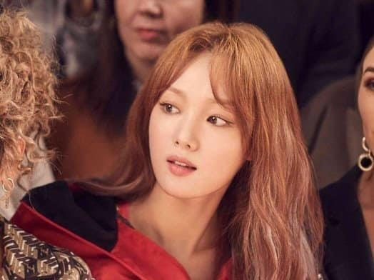 Lee Sung Kyung khoe giong hat noi luc tai 'Ca si giau mat' hinh anh