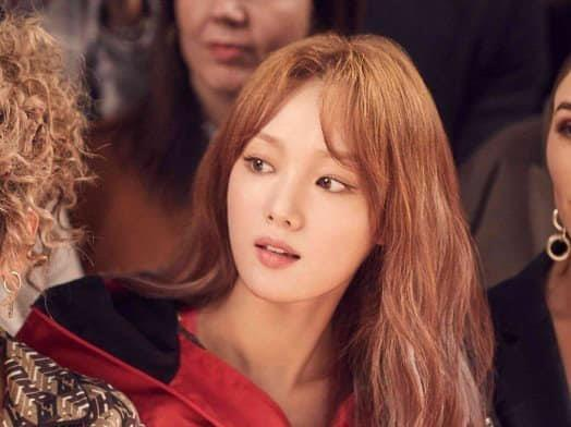Lee Sung Kyung khoe giong hat noi luc tai 'Ca si giau mat' hinh anh