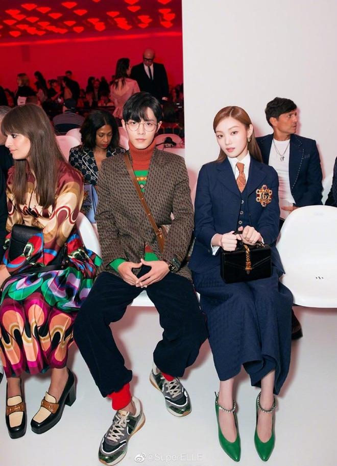 Lee Sung Kyung luon an mac chat du di su kien hay xuong pho hinh anh 2