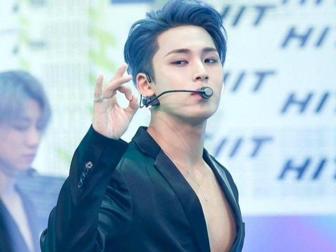 Mingyu gay an tuong voi man trinh dien ca khuc 'HIT' hinh anh