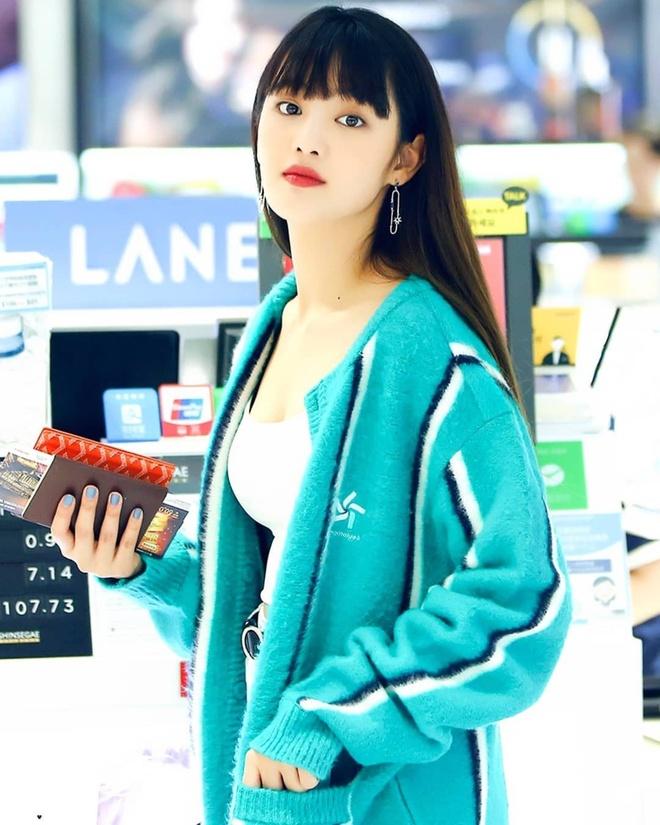 My nhan Han noi bat tren san khau nho kieu make up mat buon ngu hinh anh 3