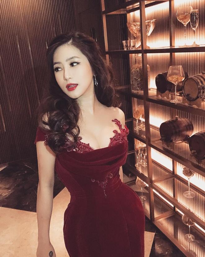 Chi Pu va dan my nhan Viet khoe duong cong sexy trong vay bo sat hinh anh 4