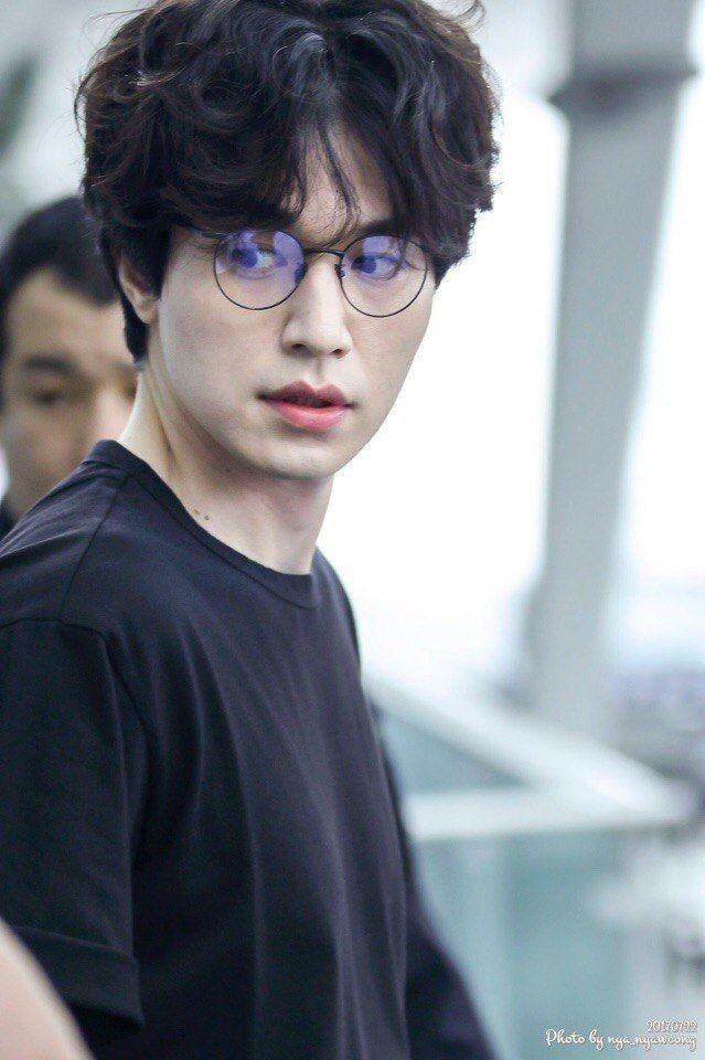 Lee Dong Wook duoc khen dep trai bat chap moi kieu toc hinh anh 7