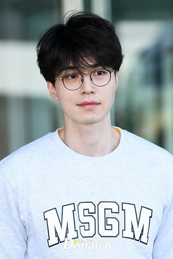 Lee Dong Wook duoc khen dep trai bat chap moi kieu toc hinh anh 8
