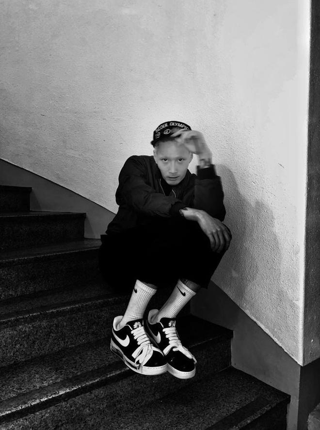Suho (EXO) va loat sao Han khoe anh so huu giay hiem cua G-Dragon hinh anh 8