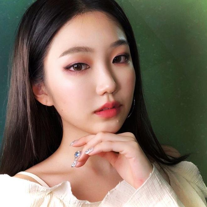 Hot girl Han co kha nang trang diem giong Irene, Jennie hinh anh 4