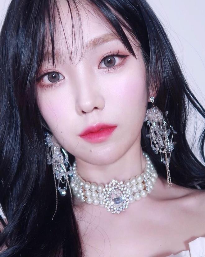 Hot girl Han co kha nang trang diem giong Irene, Jennie hinh anh 5