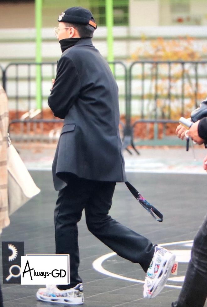 Dara va dan sao Han mac gi den su kien ra mat giay cua G-Dragon? hinh anh 2