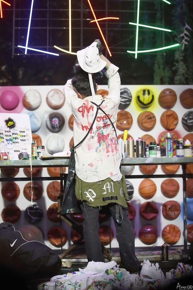 Dara va dan sao Han mac gi den su kien ra mat giay cua G-Dragon? hinh anh 5