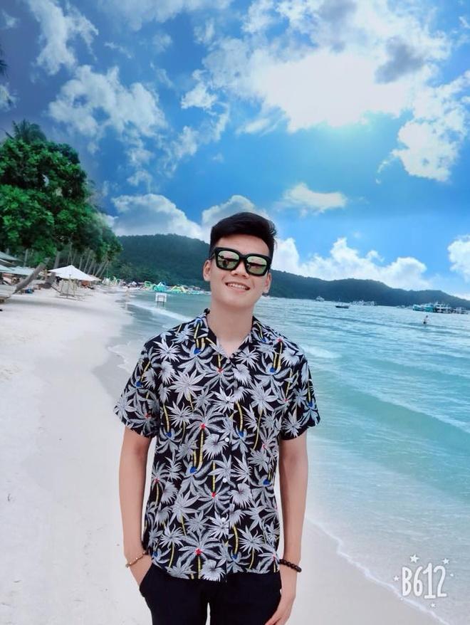 Cau thu Thanh Chung thuong khoe thoi trang ca tinh ben ban gai hinh anh 6