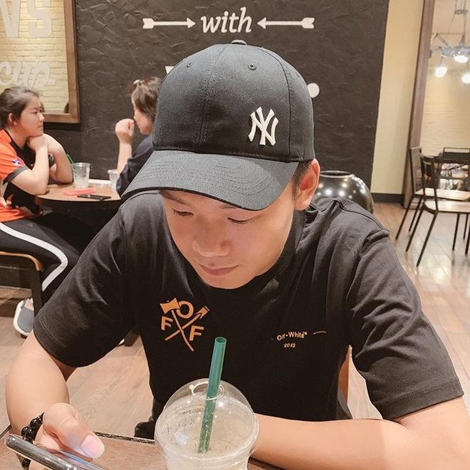 Cau thu Thanh Chung thuong khoe thoi trang ca tinh ben ban gai hinh anh 7