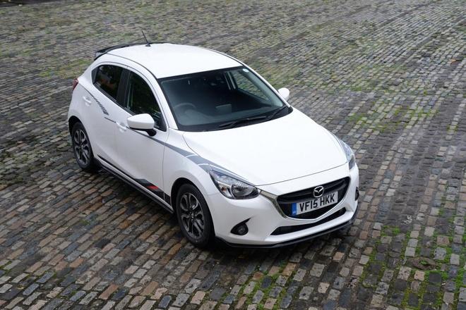 Phien ban dac biet Mazda2 Sport Black Editon trinh lang hinh anh