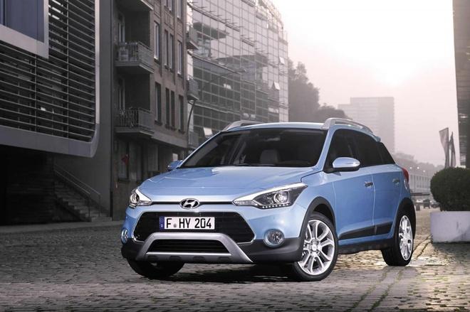 Hyundai dua bo doi i20 Active va SantaFe den Frankfurt hinh anh