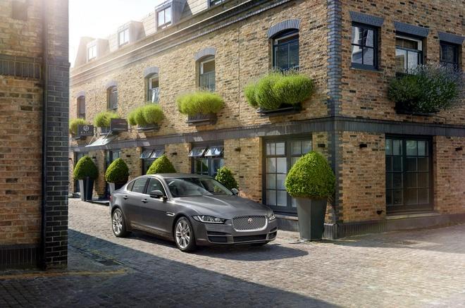 Jaguar XE va XF gia khoi diem gan 35.000 USD hinh anh