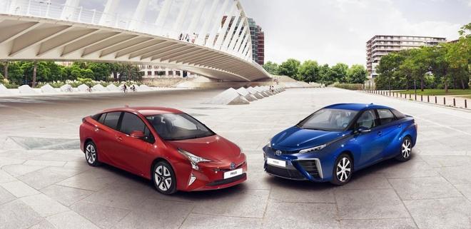 Toyota Prius 2015 chinh thuc trinh lang hinh anh