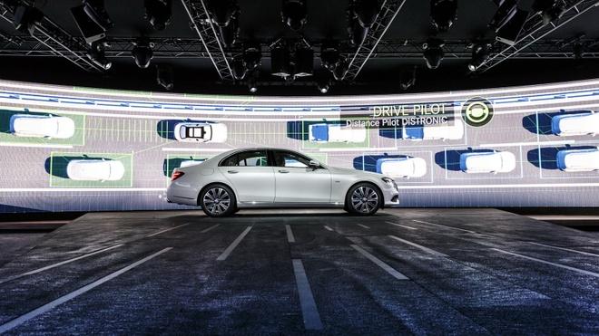 Anh thuc te Mercedes-Benz E-Class 2017 hinh anh 5