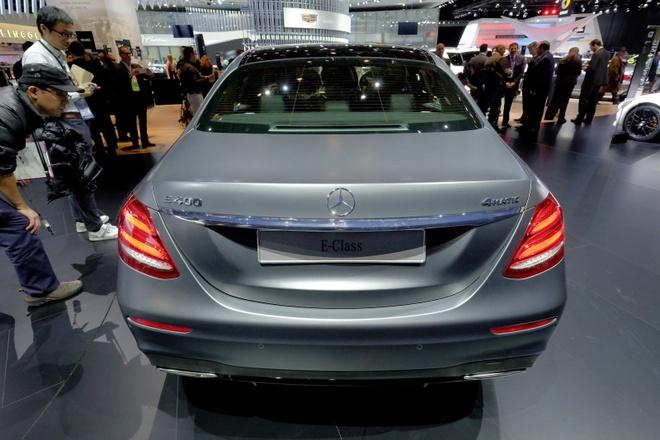 Anh thuc te Mercedes-Benz E-Class 2017 hinh anh 8