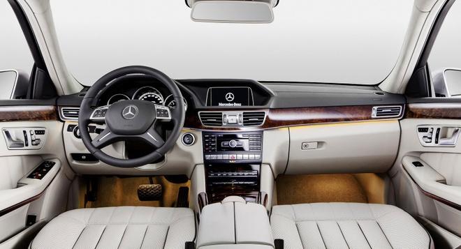 So sanh Mercedes E-Class cu va moi hinh anh 8